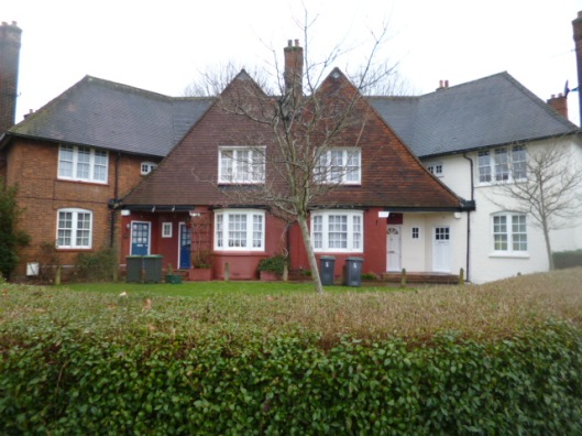 Houses on the Risley Avenue and Awlfield Avenue junction: a 'butterfly junction' of the type pioneered in Letchworth Garden City