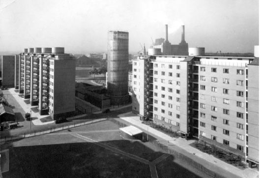 An early photo of the Estate showing the accumulator tower with Battersea Power Station in the background