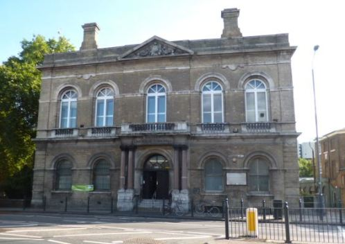 Limehouse Town Hall, Commercial Road